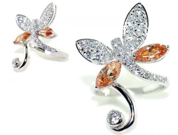 1000: 4 CT LAB COLOR SAPP BUTTERFLY  SILVER  RING.