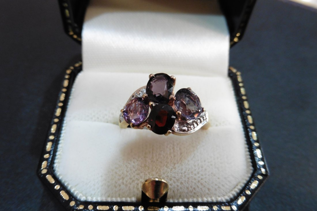 Pre-owned 9ct yellow gold spinel dress ring