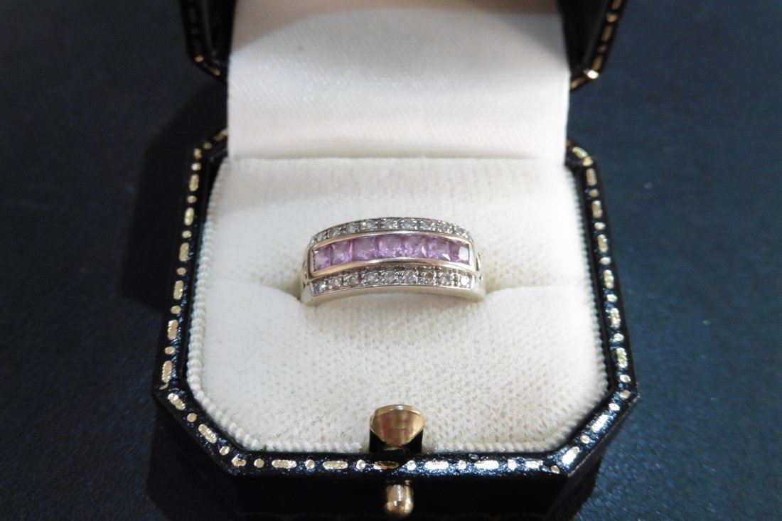 Pre-owned 18ct gold pink sapphire ring