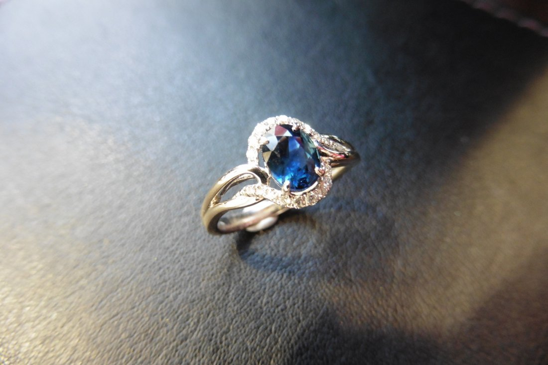 9ct white gold sapphire and diamond dress ring set with