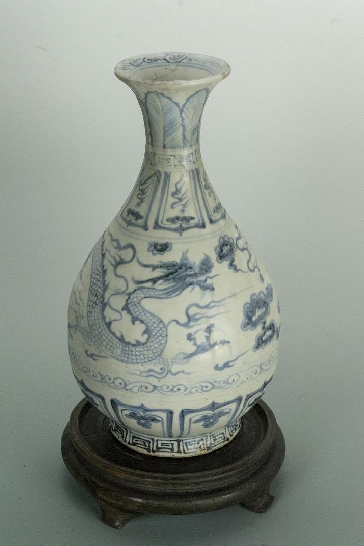 YUAN DYNASTY Blue and White -'DRAGON YuHuChun Vase