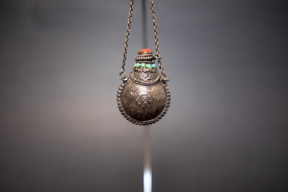 A Turquois inlaid Snuff Bottle