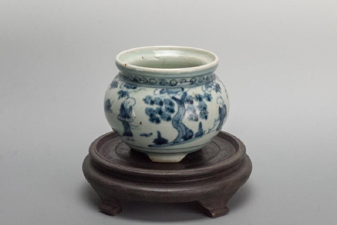 Ming Dynasty Blue and White People Porcenlain Censer