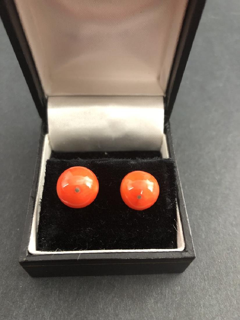 A Pair of Coral Earring