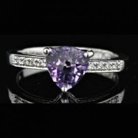 14k White Gold 0.08ct Diamond And 1.20ct Amethysts Ring