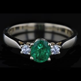 14k Yellow Gold 0.55ct Emerald & 0.10ct Diamond Ring
