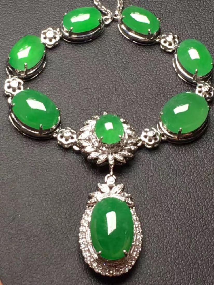 NATURAL EGG-SHAPED MANLV JADEITE BEADS NECKLACE