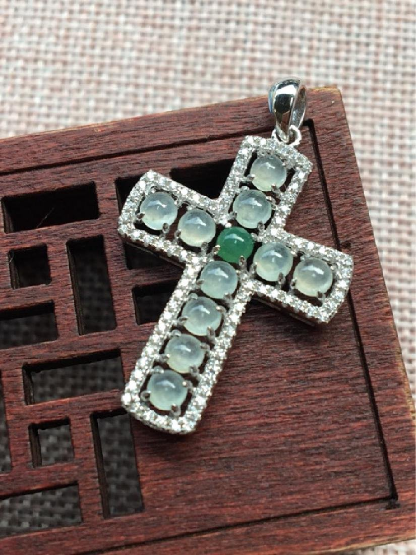 A NATURAL JADEITE BEADS CROSS DESIGN SILVER PENDANT