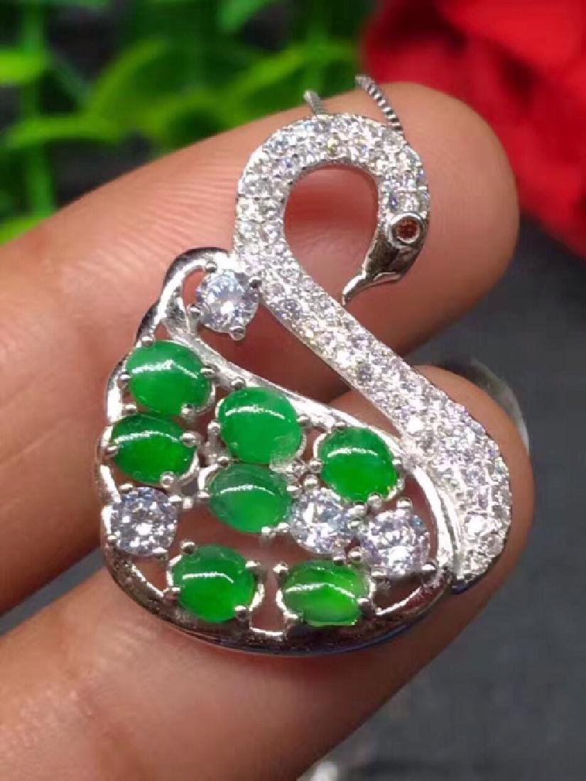 A NATURAL JADEITE BEADS SWAN DESIGN SILVER PENDANT