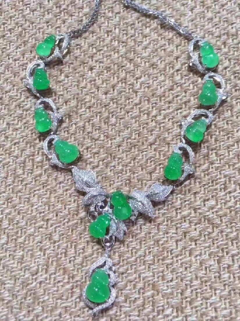 11 GOURDS     NATURAL JADEITE NECKLACE   With