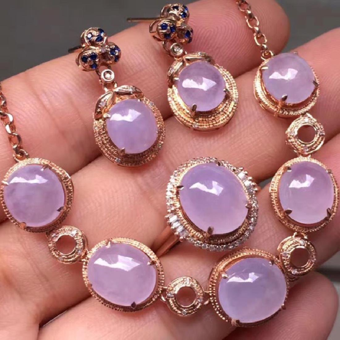 NATURAL EGG-SHAPED VIOLET JADEITE NECKLACE AND EARRING