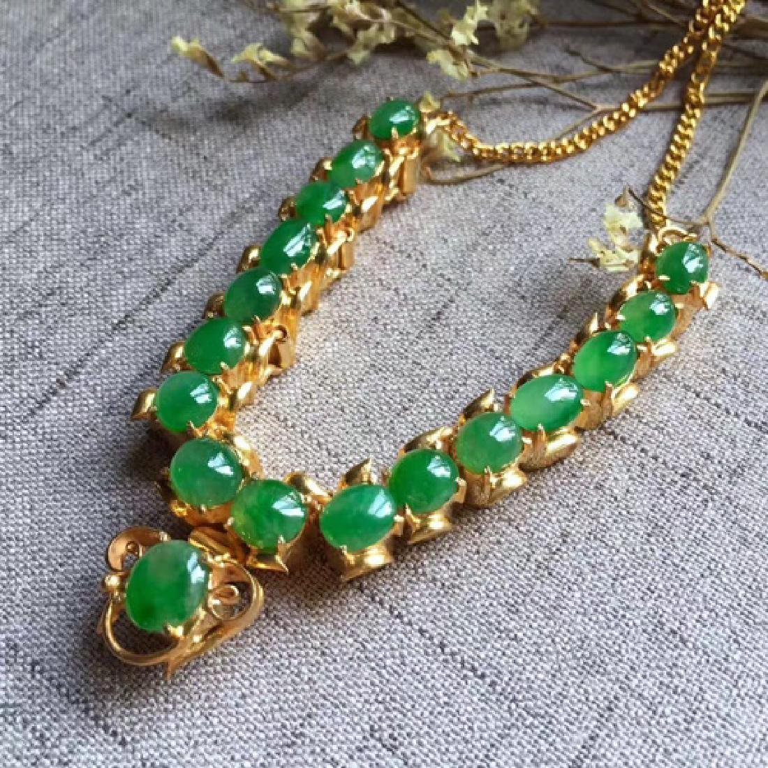 A NATURAL EGG-SHAPED PINGGUOLV JADEITE NECKLACE - 2