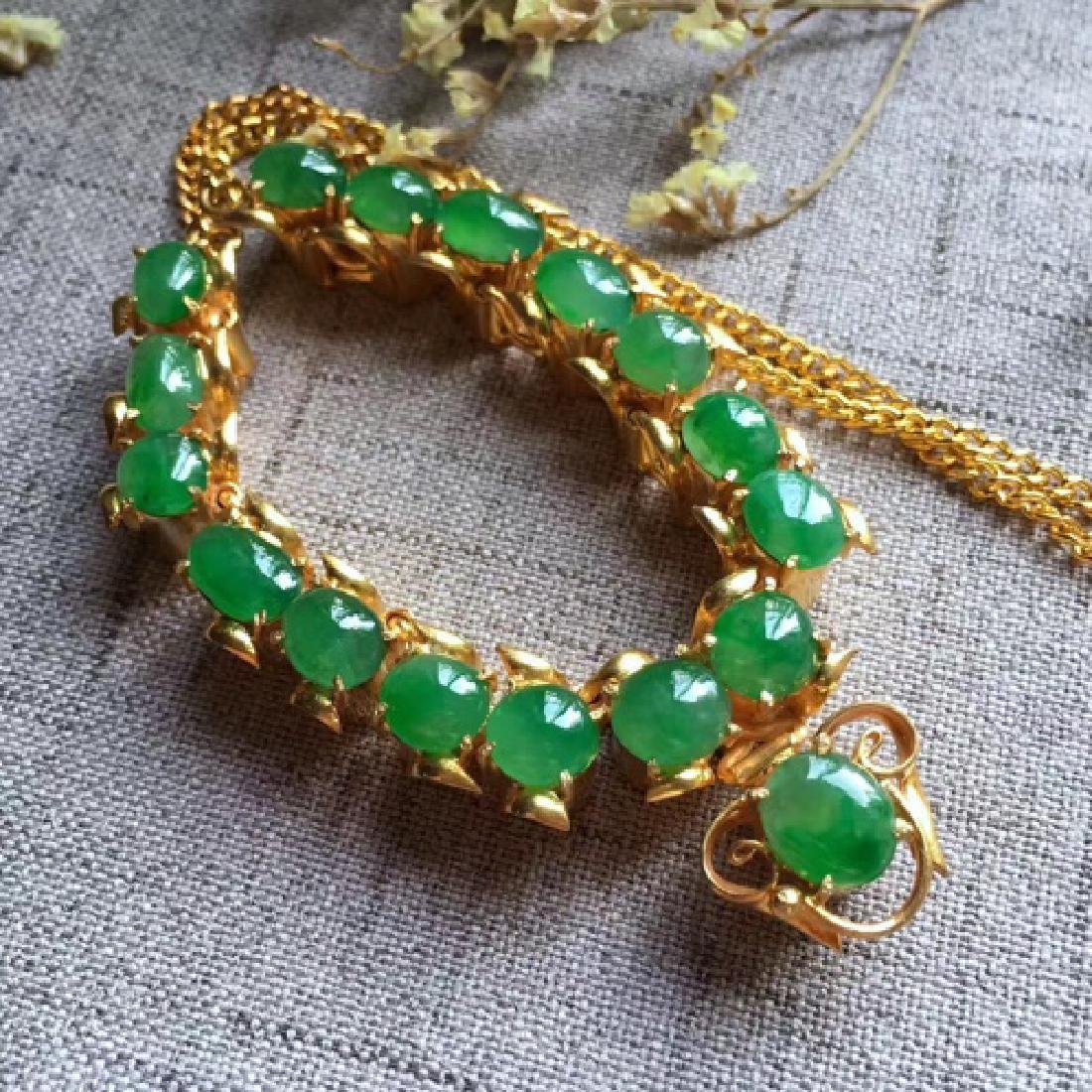 A NATURAL EGG-SHAPED PINGGUOLV JADEITE NECKLACE - 4