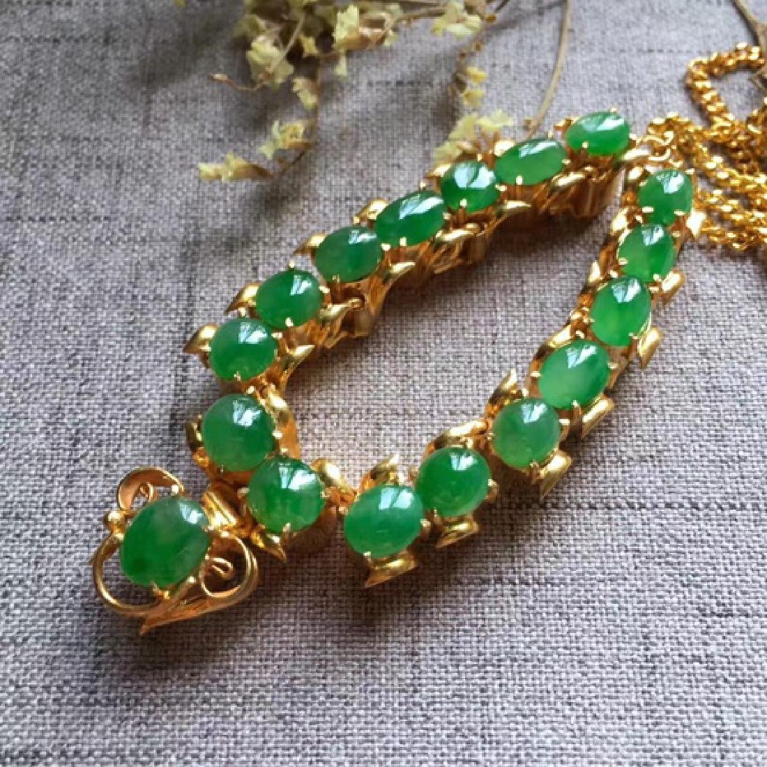 A NATURAL EGG-SHAPED PINGGUOLV JADEITE NECKLACE - 5