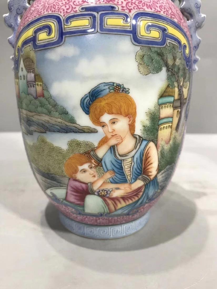 A WESTERN CHARACTER PATTERN FOREIGN COLOUR VASE - 2