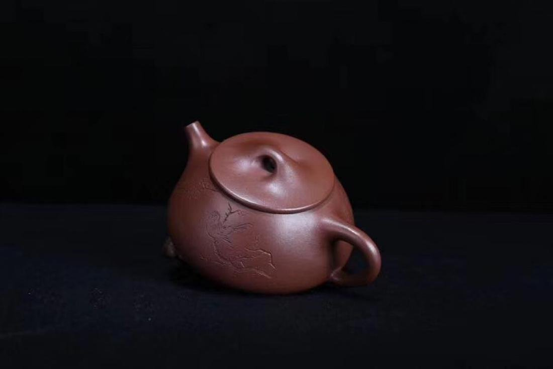 A JINGZHOU PURPLE CLAY TEAPOT - 5