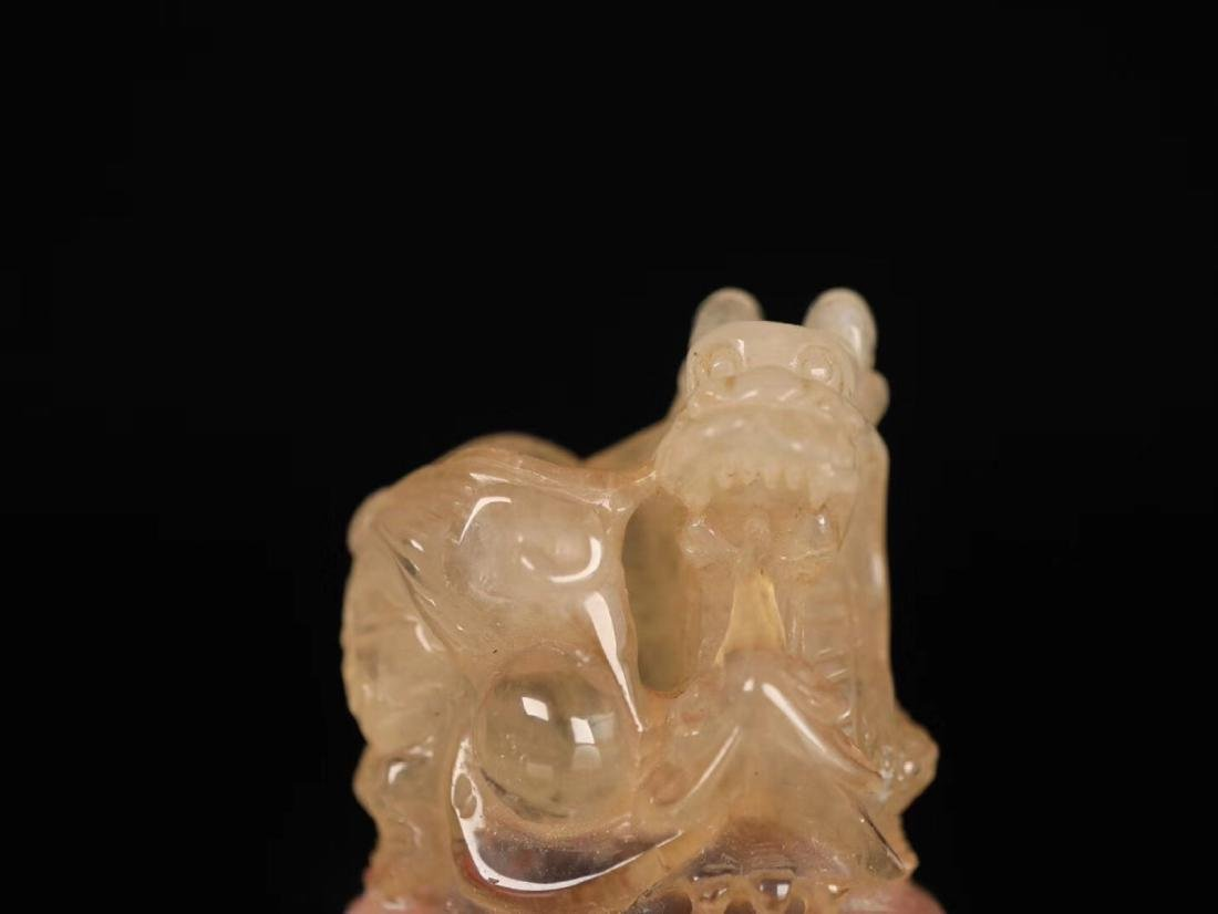 AN OLD CRYSTAL CARVED BEAST SHAPED SEAL - 6