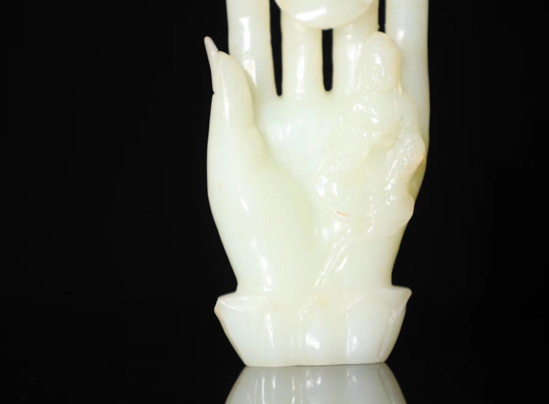 A HETIAN JADE BUDDHA HAND SHAPED PENDANT - 6