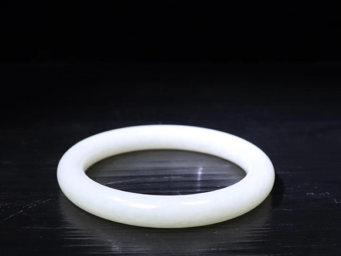 A HETIAN WHITE JADE BANGLE - 3