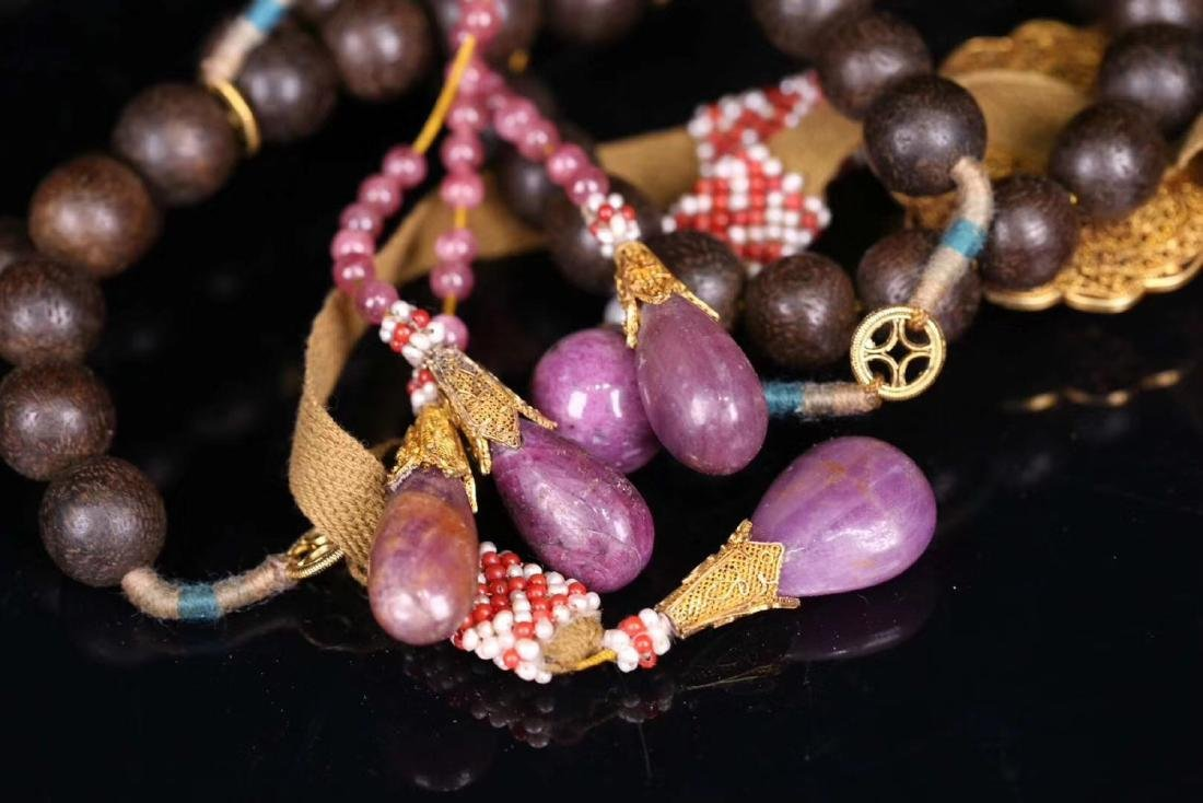 A CHENXIANG WOOD BEADS STRING BRACELET - 7