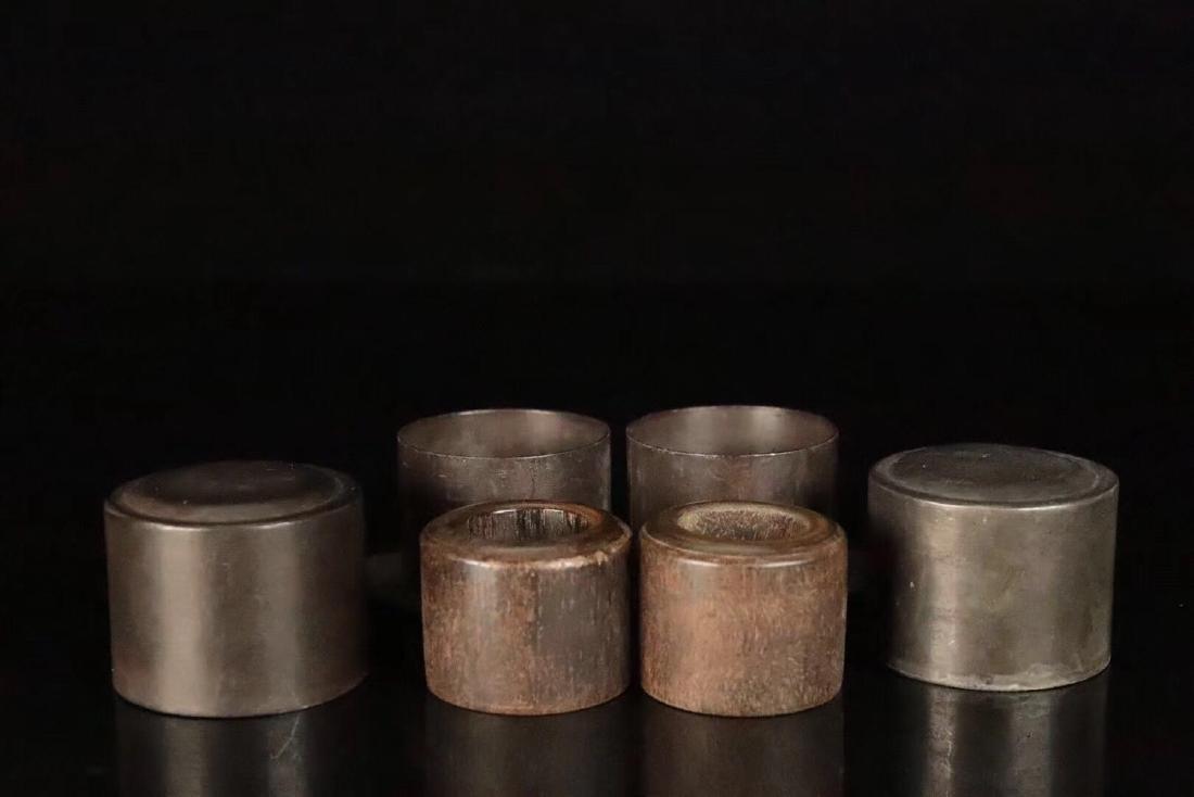 PAIR CHENXIANG WOOD CARVED THUMB RINGS