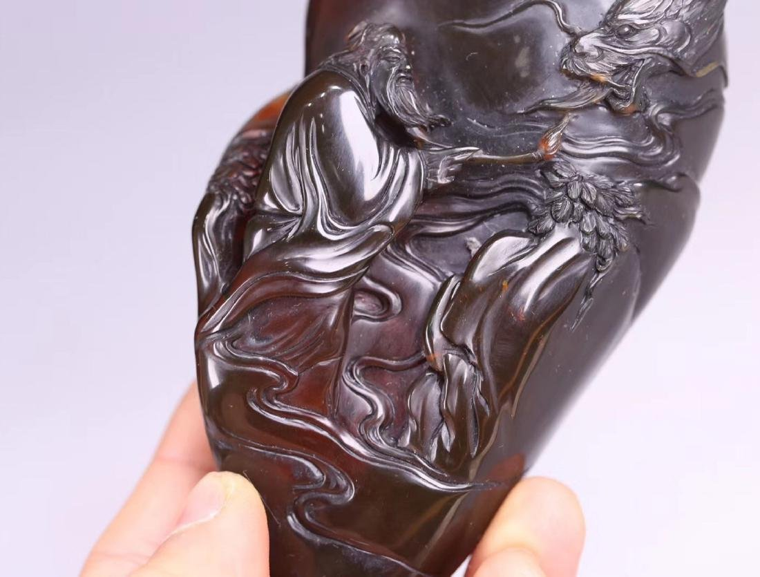 AN OLD AMBER MOUNTAIN SHAPED PENDANT - 7