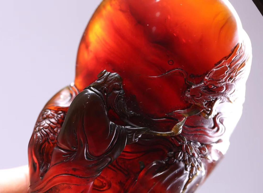 AN OLD AMBER MOUNTAIN SHAPED PENDANT - 8
