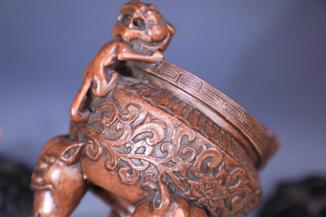 A BAMBOO CARVED THREE PAIRS FEET LIONEAR CENSER - 4