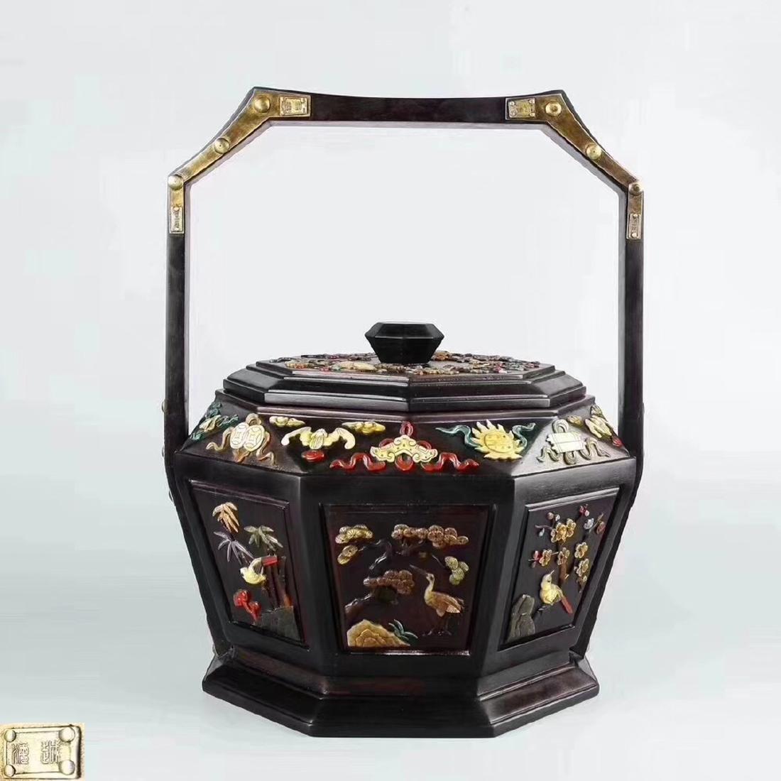 A HONGSUANZHI WOOD BASKET
