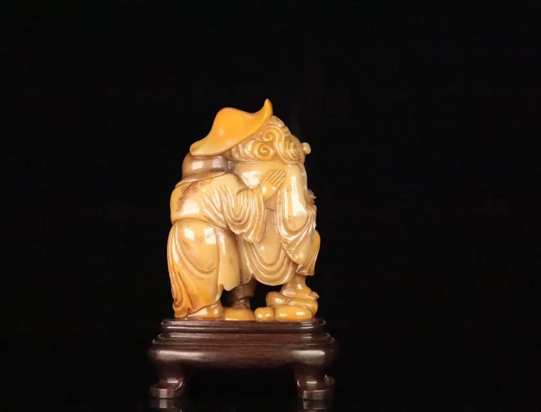 A TIANHUANG STONE CARVED FIGUE PENDANT - 3