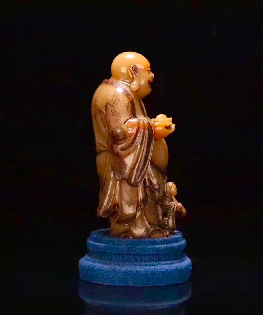 A TIANHUANG STONE CARVED LAUGHING BUDDHA FIGURE - 3