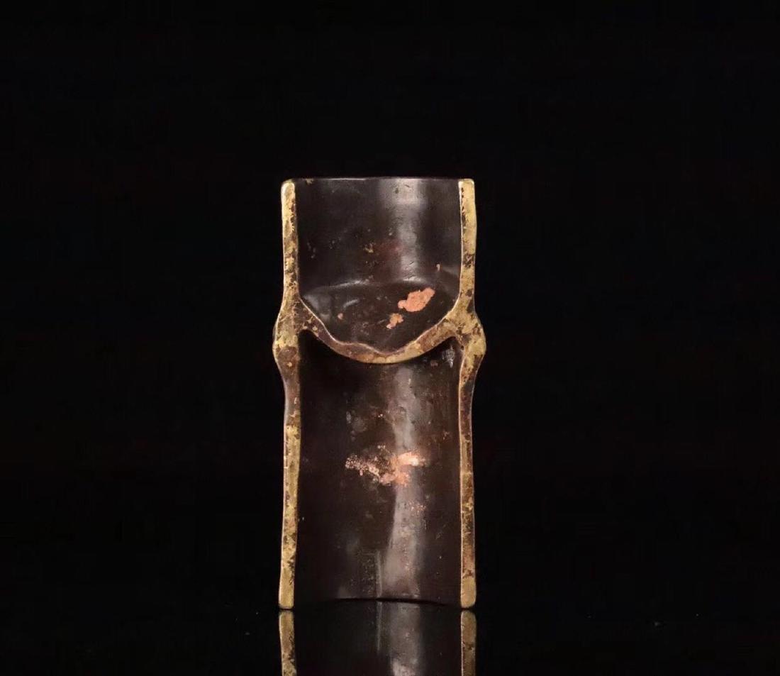 A GILT COPPER CICADA SHAPED PENDANT - 2