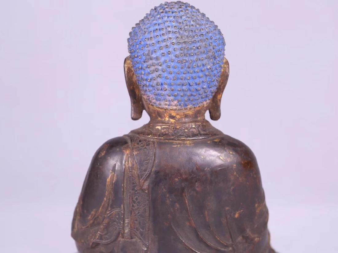 A GILT BRONZE CARVED BUDDHA - 7