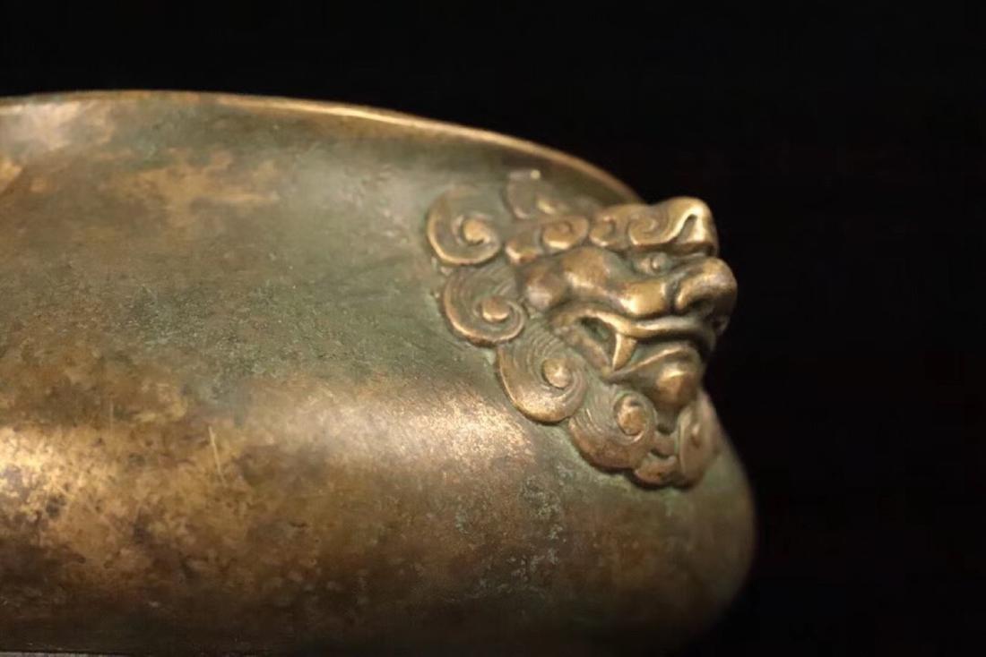 A BRONZE CARVED LION-EAR SHAPED CENSER - 8
