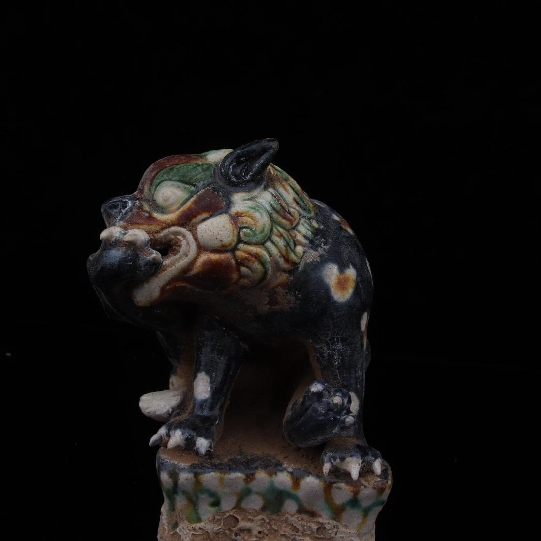 PAIR TANGSANCAI LIONS SHAPED FIGURES - 8