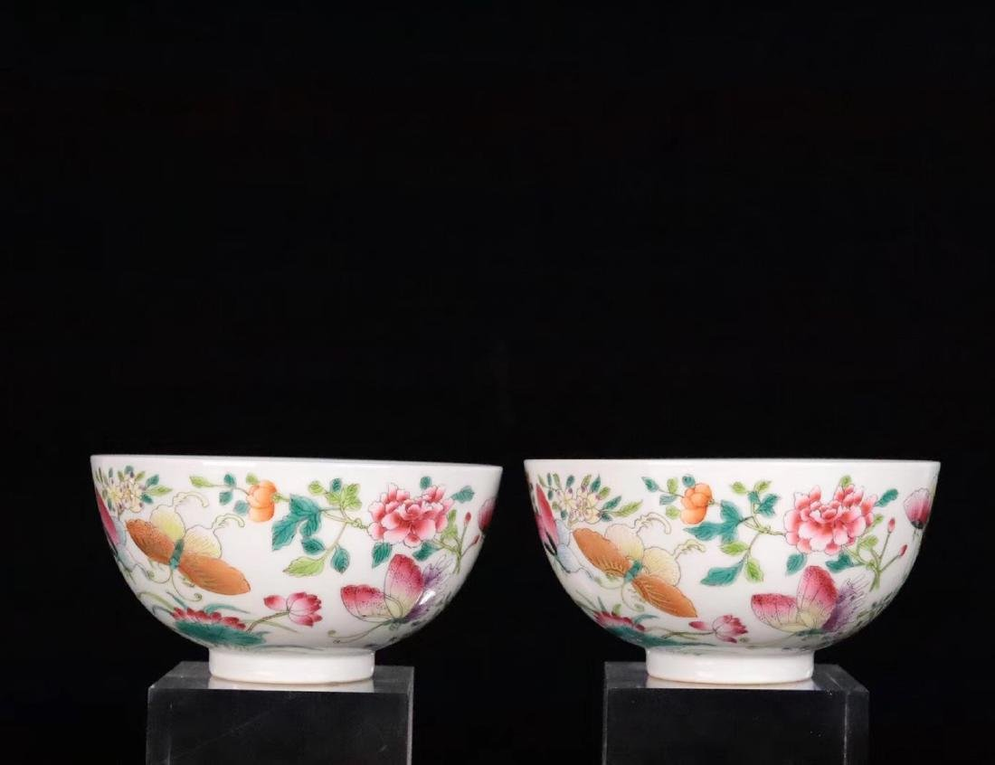 A FAMILE-ROSE FLORAL AND BUTTERFLY PATTERN BOWL - 2