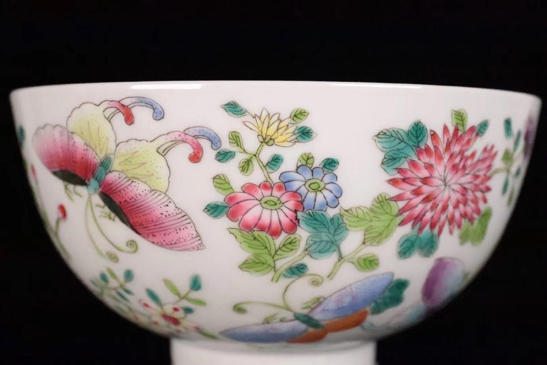 A FAMILE-ROSE FLORAL AND BUTTERFLY PATTERN BOWL - 9