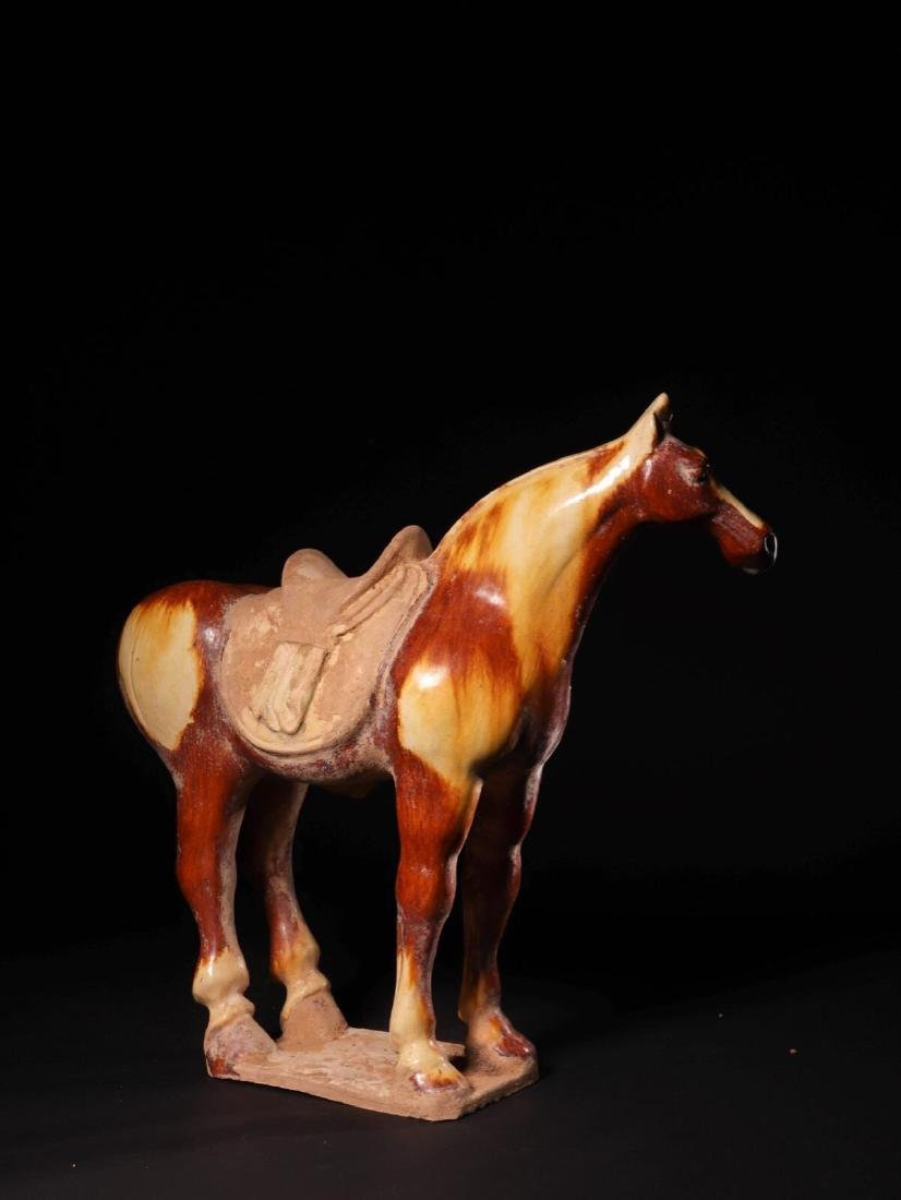 (618-907 CE) A TANG TRI-COLOR GLAZED HORSE STATUE, TANG - 2