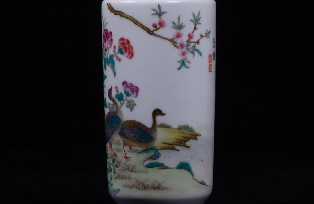 A BIRD&FLORAL PATTERN FAMILLE ROSE VASE - 6
