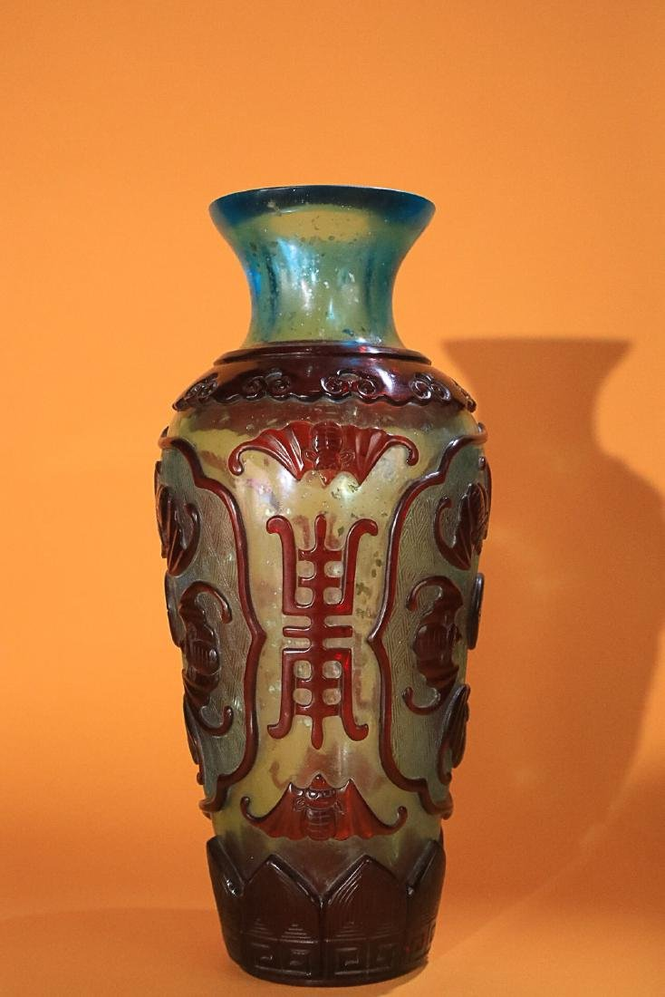 18-19TH CENTURY, AN OLD COLOURED GLASS VASE, LATE QING - 3