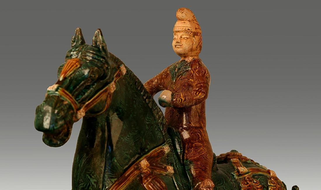 A HORSE RIDING PATTERN TANG TRI-COLOR GLAZED CERAMICS - 3