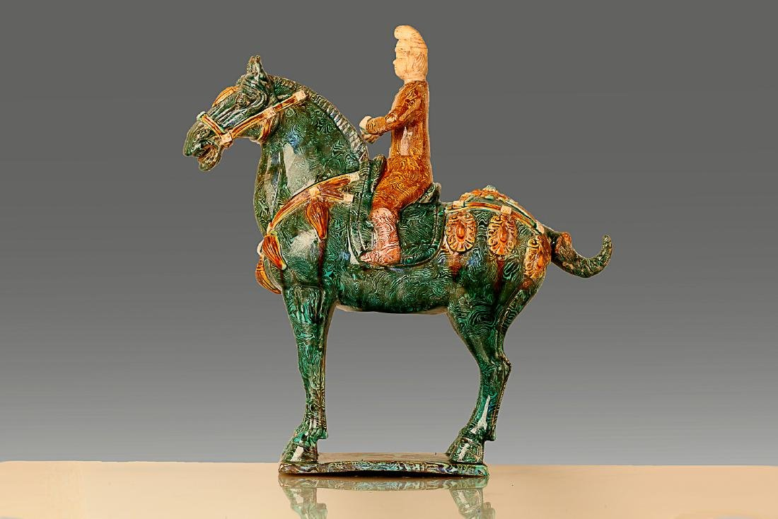 A HORSE RIDING PATTERN TANG TRI-COLOR GLAZED CERAMICS - 6