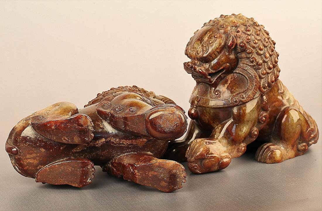 A PAIR OF LION PATTERN HETIAN JADE ORNAMENTS - 4