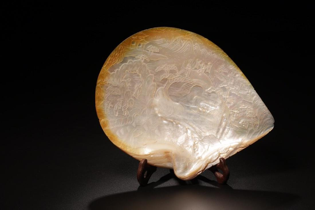 17-19TH CENTURY, A STORY DESIGN SHELL ORNAMENT, QING