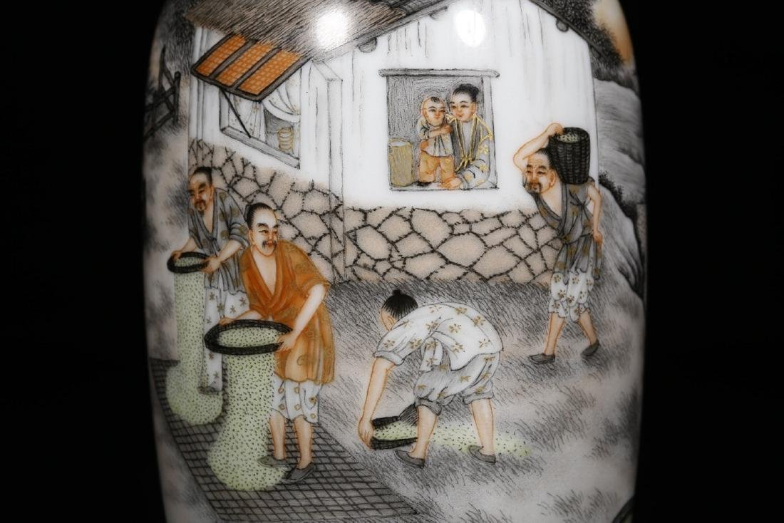 17-19TH CENTURY, A STORY DESIGN PORCELAIN VASE, QING - 2