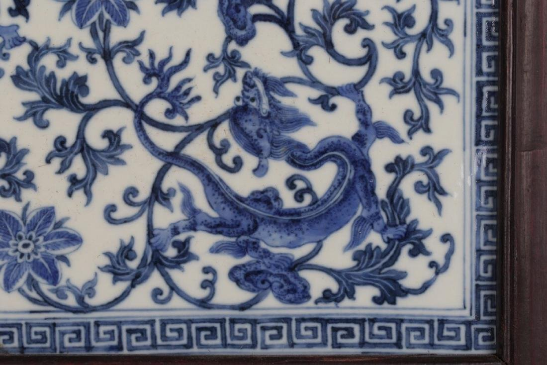 17-19TH CENTURY, A PORCELAIN HANGING BOARD, QING - 4