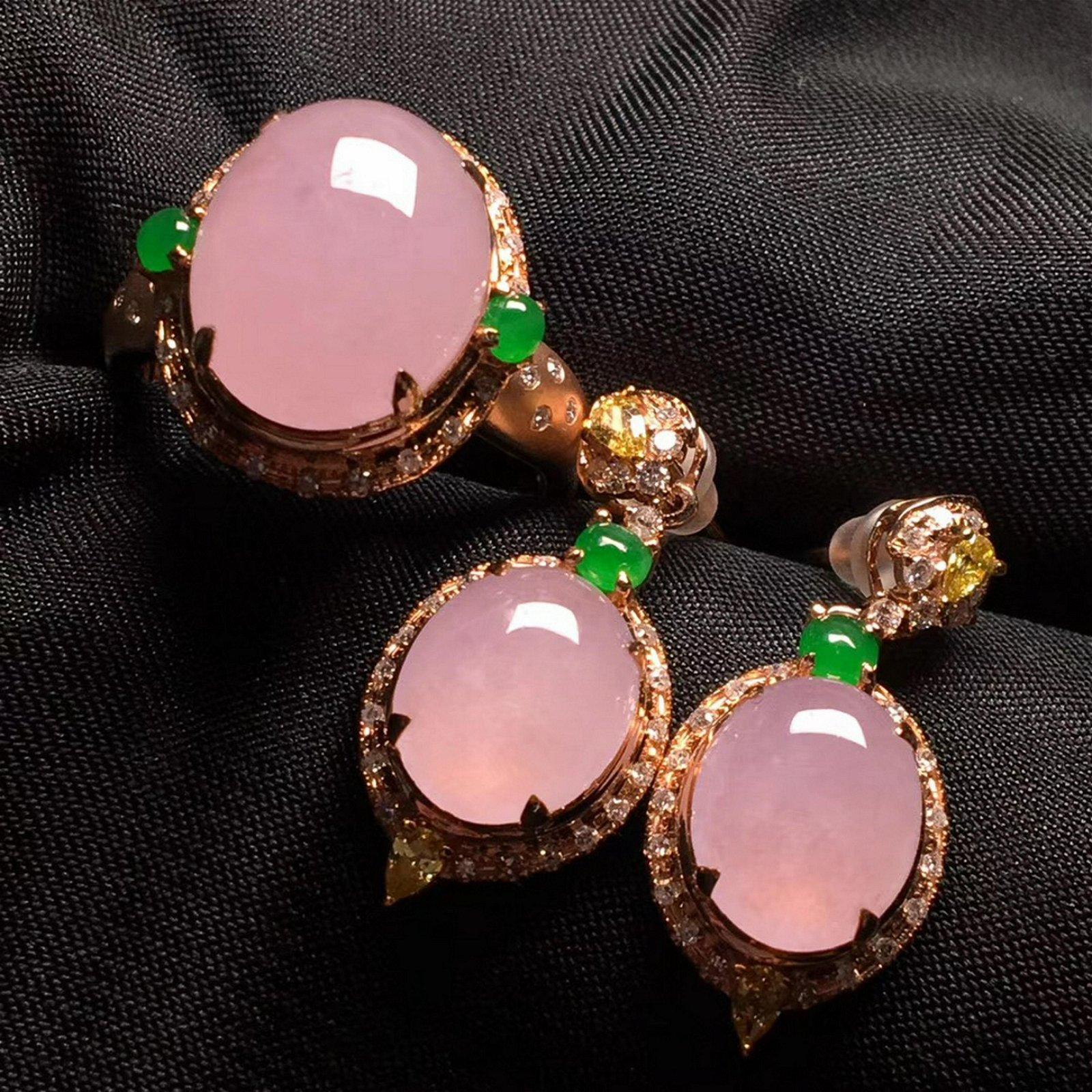 A SET OF ICY PINK JADEITE RING &EARINGS