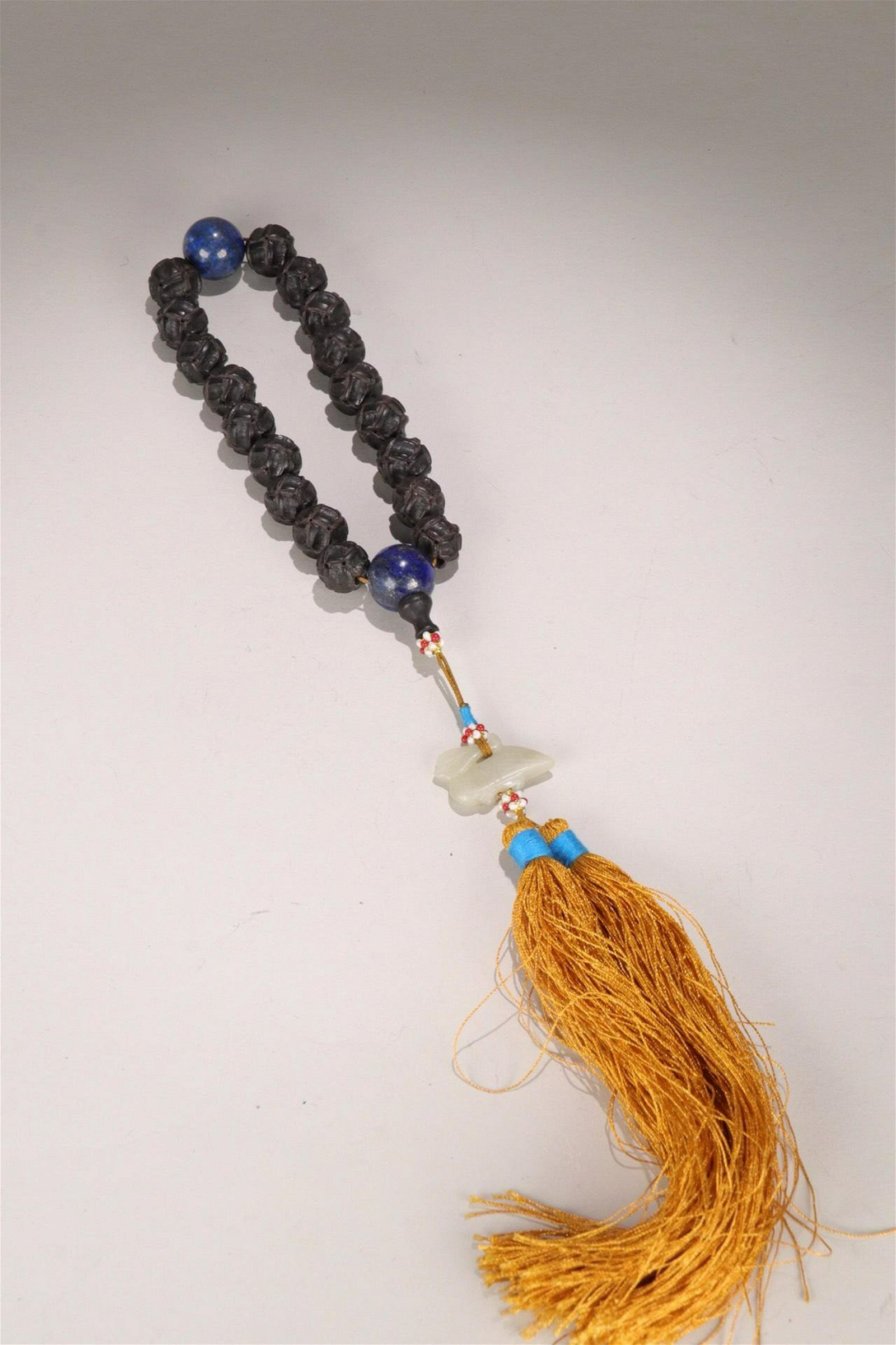 A CHENXIANG WOOD  EIGHTEEN BEADS ROSARY