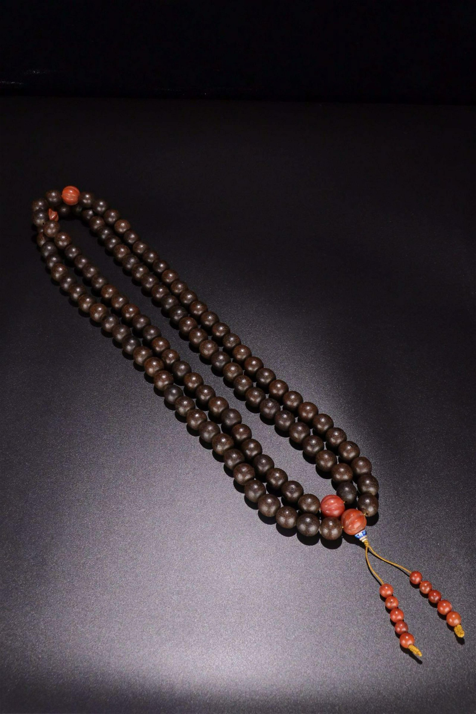 A CHENXIANG WOOD ONE HUNDRED EIGHT BEADS ROSARY
