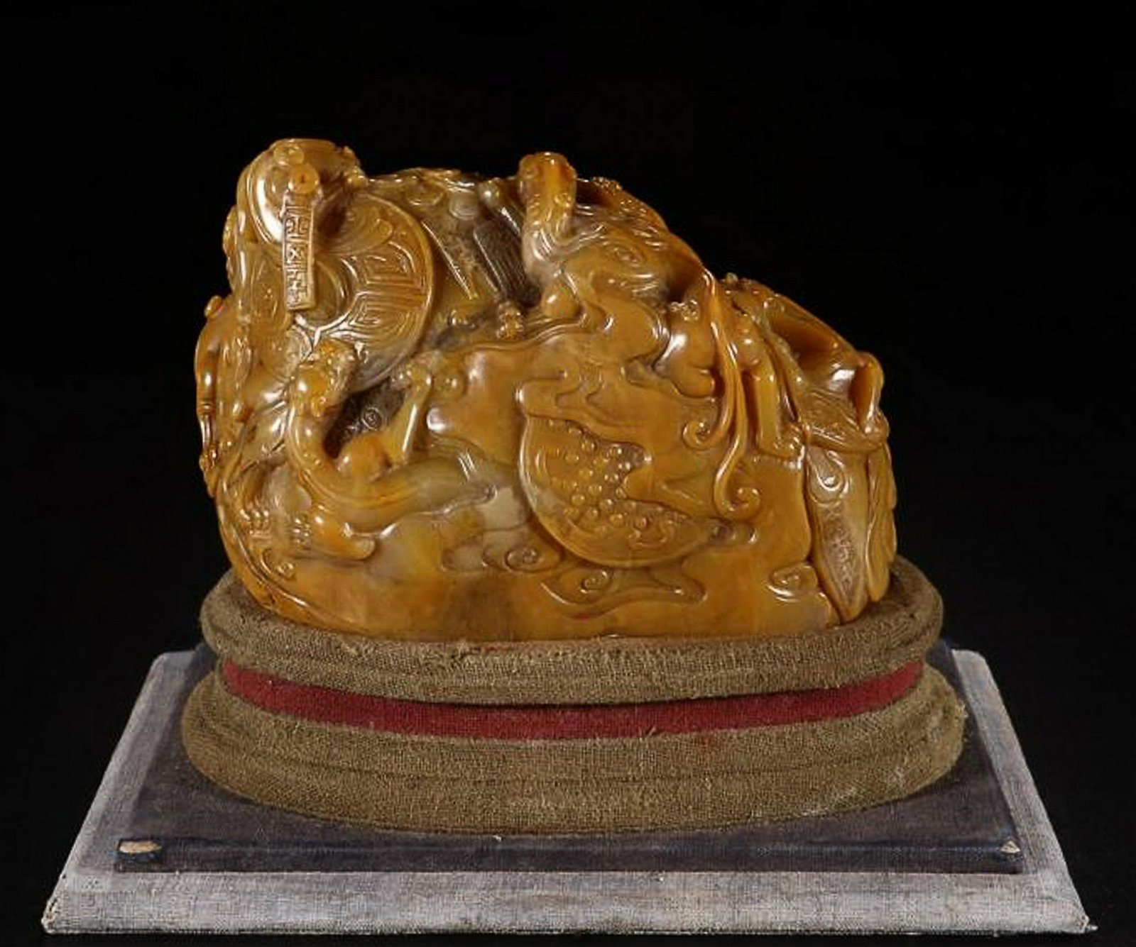 A TIANHUANG STONE  DRAGON CARVED SEAL